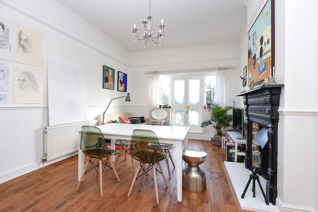 1 bed flat for sale in Culverden Road, London