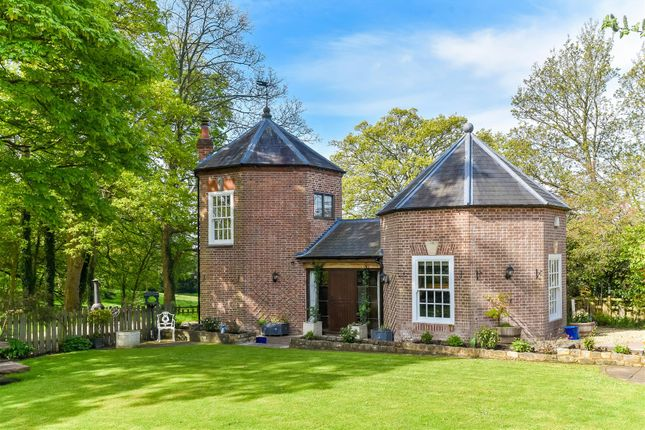 Thumbnail Detached house for sale in Evesham Road, Cookhill, Alcester, Worcestershire