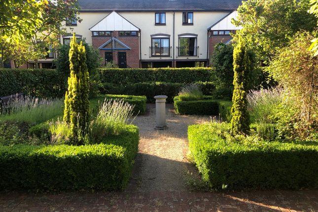 Communal Gardens of Mayfair Gardens, Shirley, Southampton SO15