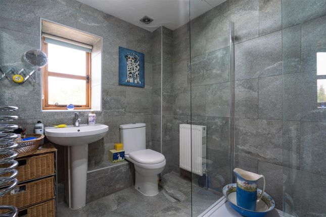 Bathroom V2 of Post Office Row, Little Compton, Gloucestershire GL56