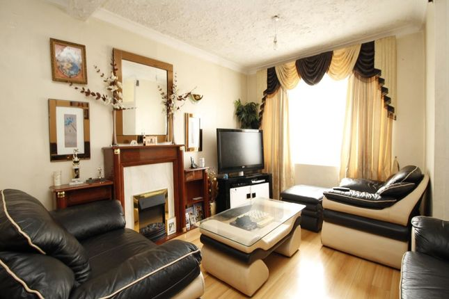 Thumbnail Terraced house for sale in Albert Square, London