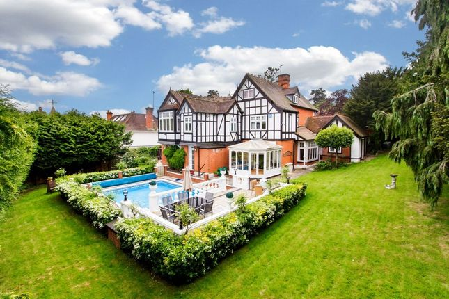 Thumbnail Detached house for sale in Connaught Avenue, Loughton
