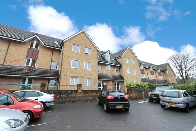Thumbnail Flat to rent in Sunnyhill Road, Parkstone, Poole