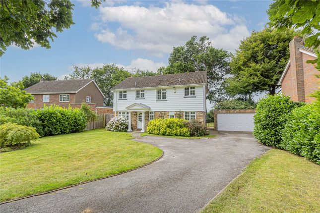 Thumbnail Detached house to rent in Medlows, Harpenden