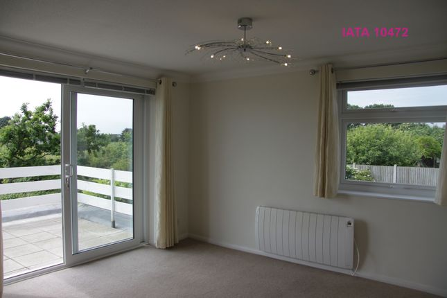 Thumbnail Flat for sale in Lyndhurst Road, Holland-On-Sea, Clacton-On-Sea
