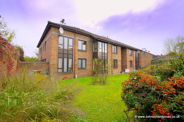 1 bed flat for sale in Gate Court, Weybridge