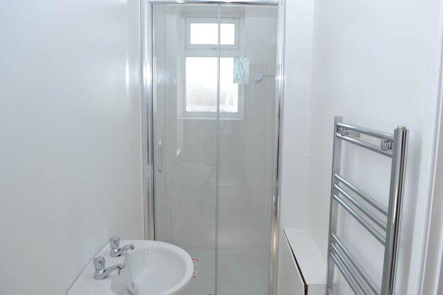 Shower Room of 30 Bartholomew Street, Newbury, Berkshire RG14