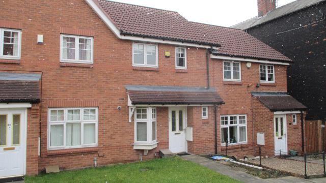 Thumbnail Town house to rent in Tavistock Park, Wortley, Leeds