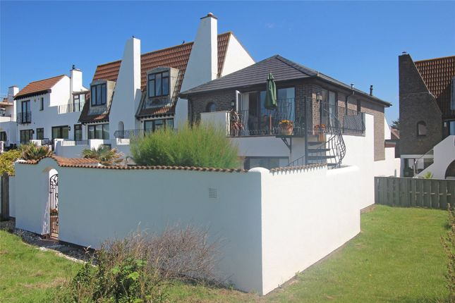 4 bed detached house for sale in Shinglebank Drive, Milford On Sea, Lymington SO41