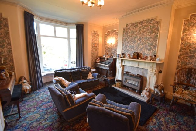 Lounge 2 of Sherwood Grove, Saltaire, Bradford, West Yorkshire BD18