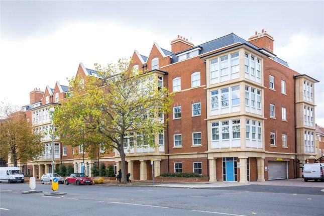 Thumbnail Flat for sale in Atwell Court, 931 High Road, North Finchley, London