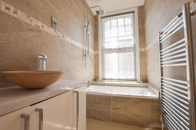 Bathroom of Sedlescombe Road South, St. Leonards-On-Sea TN38