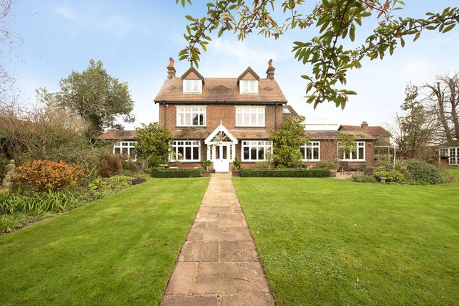7 bed farmhouse for sale in Grove Lane, Chesham HP5