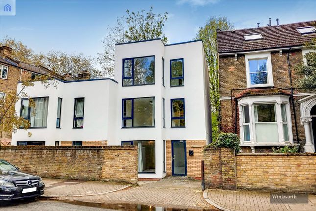 4 bed end terrace house for sale in Evering Road, London E5
