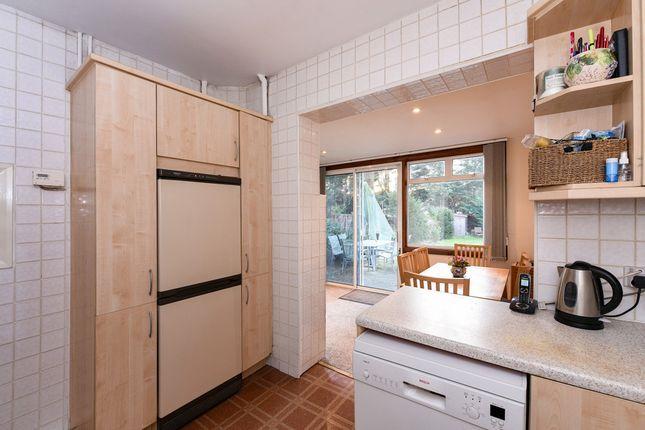 hillcrest avenue edgware ha8 4 bedroom detached house. Black Bedroom Furniture Sets. Home Design Ideas