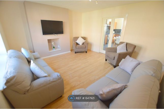Thumbnail Room to rent in Fifth Avenue, Newcastle Upon Tyne