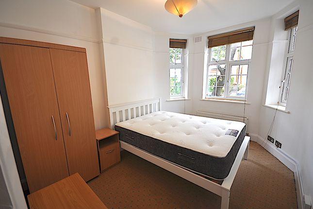 Room to rent in Glenmore Road, Belsize Park, Primrose Hill, Hampstead, Camden, London