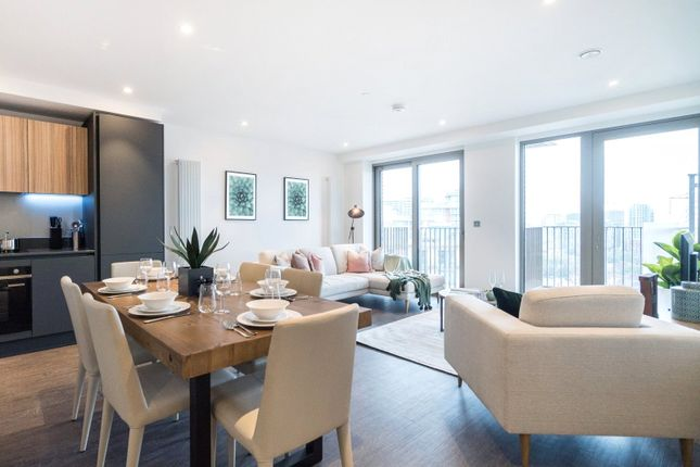 Thumbnail Flat for sale in Royal Docks West, Royal Victoria