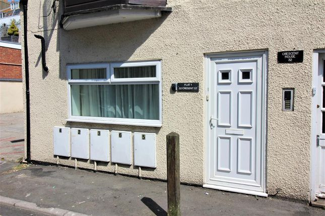 Thumbnail Flat to rent in 32 Crescent Street, Weymouth, Dorset