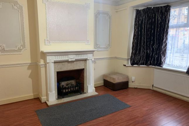 Thumbnail Detached house to rent in Londsdale Avenue, East Ham