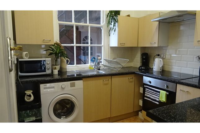 Flat for sale in Raglan House, City Centre, Cardiff