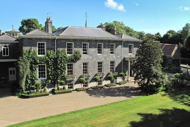 Thumbnail Country house for sale in Vauquiedor, St. Martin, Guernsey