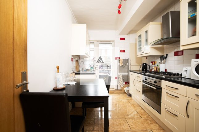 4 bed flat to rent in Cherwell House, Church Street Estate, London NW8