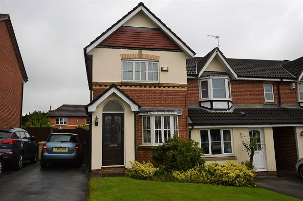 Thumbnail Semi-detached house to rent in Ashburn Close, Horwich