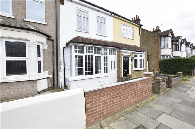 Thumbnail Terraced house to rent in Pretoria Road, Romford