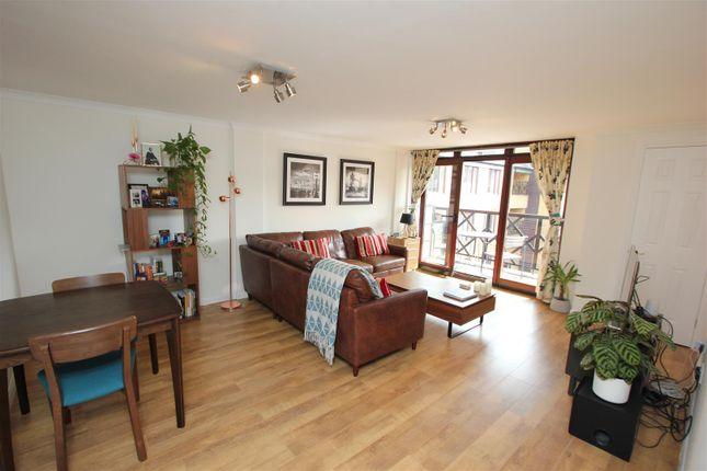 Thumbnail Flat to rent in Knighten Street, London