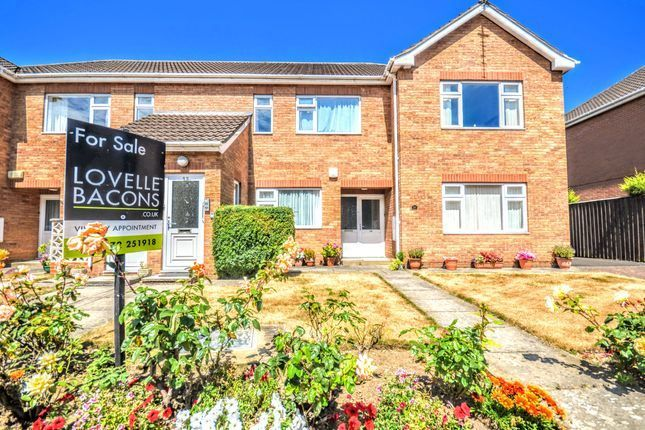 Thumbnail Flat for sale in Eaton Court, Grimsby