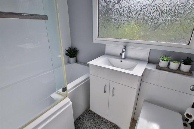Bathroom of Southey Close, Littleborough OL15