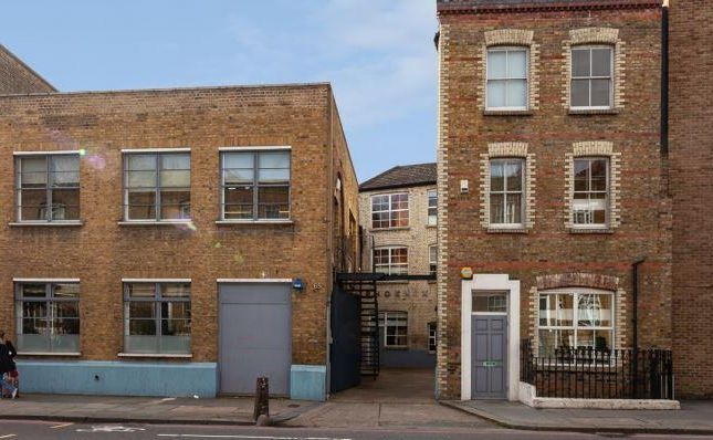 Thumbnail Office for sale in Phoenix Yard, 65-69 Kings Cross Road, London