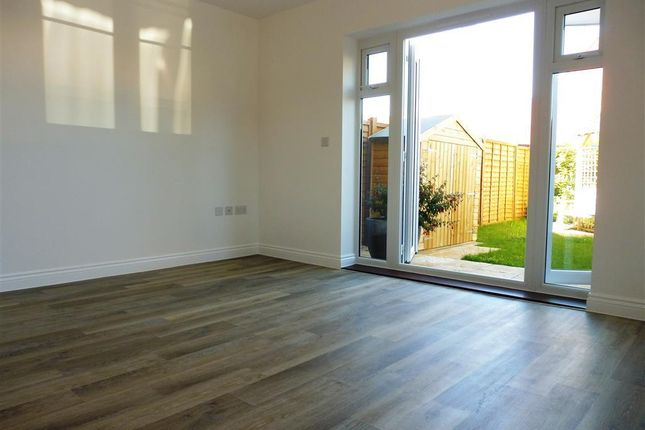 Thumbnail Property to rent in Hadleigh Street, Kingsnorth, Ashford