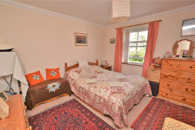 Bedroom One of Lamplighters, Newlands, Honiton, Devon EX14