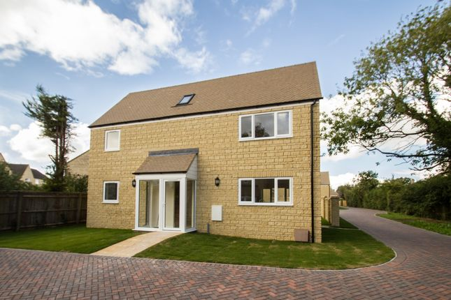 Thumbnail Detached house to rent in Park Road, North Leigh, Witney