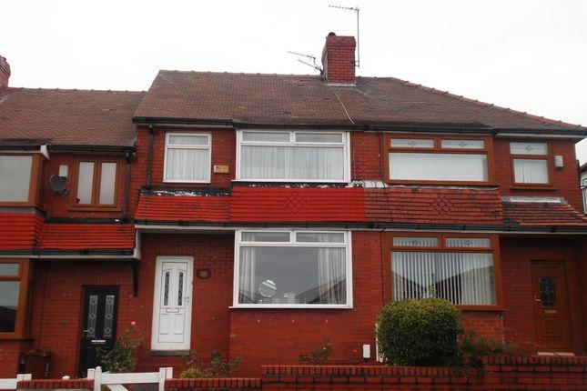 Thumbnail Semi-detached house to rent in Kensington Avenue, Chadderton
