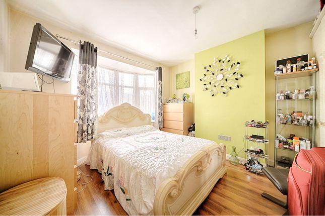 Bedroom of Kenley Gardens, Thornton Heath CR7