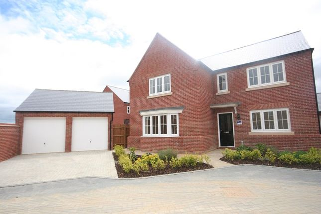 Thumbnail Detached house to rent in Lace Lane, Buckingham