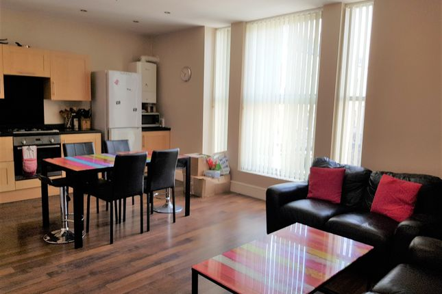 4 bed flat to rent in Mutley Plain, Mutley, Plymouth PL4
