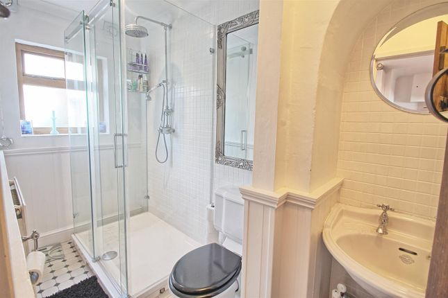 Bathroom of Monks Row, Crib Street, Ware SG12