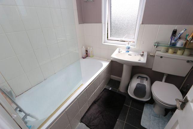 Bathroom of Leys Road, Torquay TQ2
