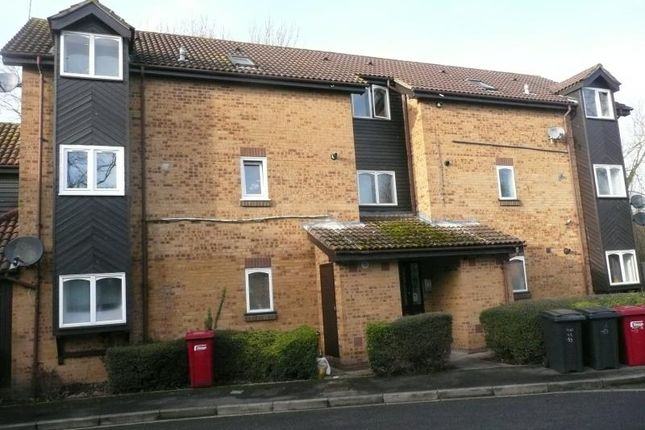 Thumbnail Flat to rent in Albany Park, Colnbrook, Slough