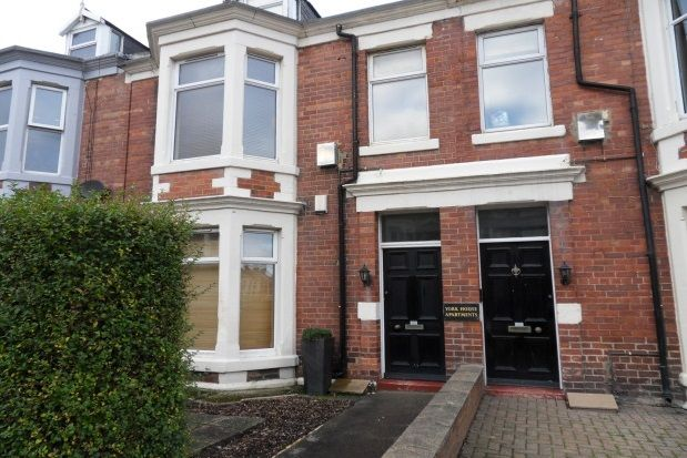 Thumbnail Maisonette to rent in Park Parade, Whitley Bay