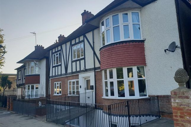 Thumbnail Detached house to rent in Somerhill Road, Hove, East Susex