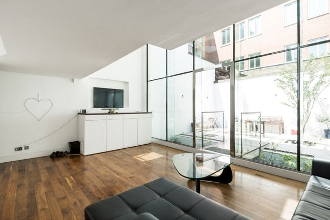 Thumbnail Terraced house to rent in Great Titchfield Street, London