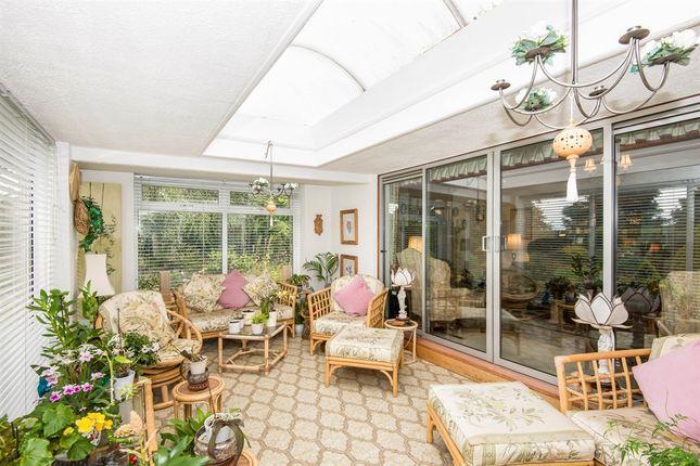 Property For Sale Twickenham Crescent Halfway