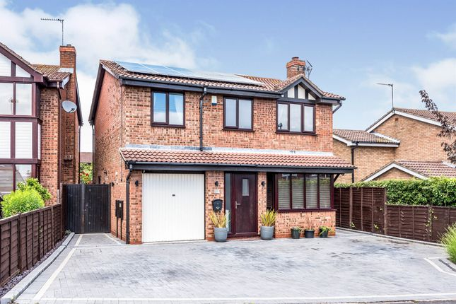 4 bed detached house for sale in Kurtus, Dosthill, Tamworth B77