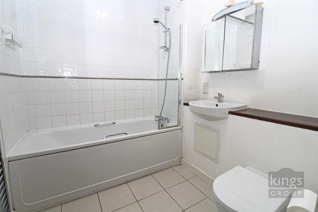 Bathroom (3) of Charlwood Street, London SW1V