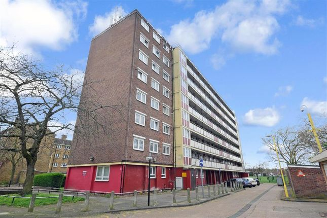 Thumbnail Flat for sale in Lonsdale Close, London